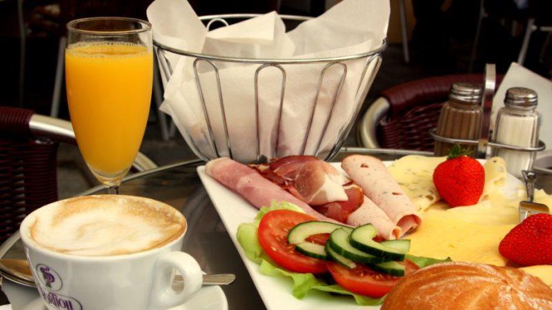 Regelmäßiges Frühstücken verringert das Risiko für Typ-2-Diabetes.