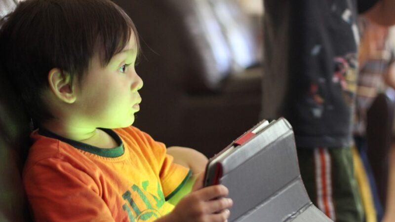 Kinder im Fadenkreuz der Werbung